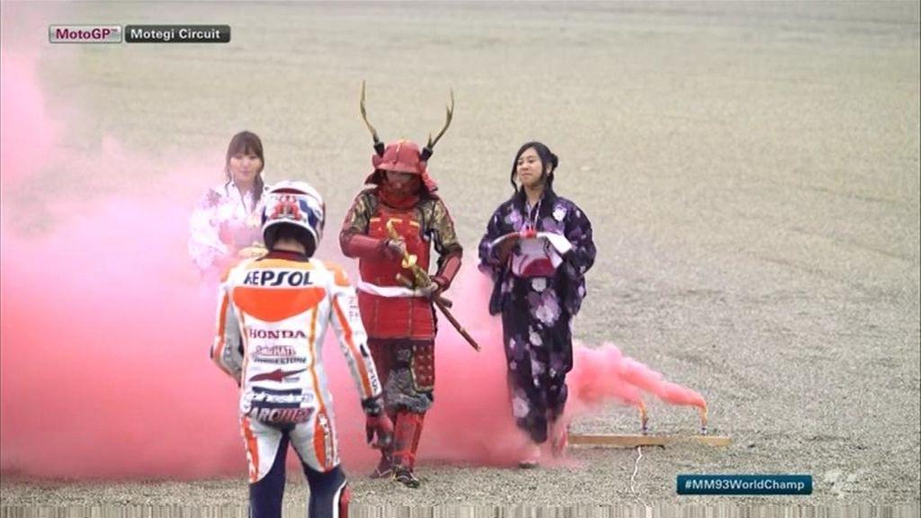 Marc Márquez, campeón del mundo tras acabar segundo tras Lorenzo en Japón
