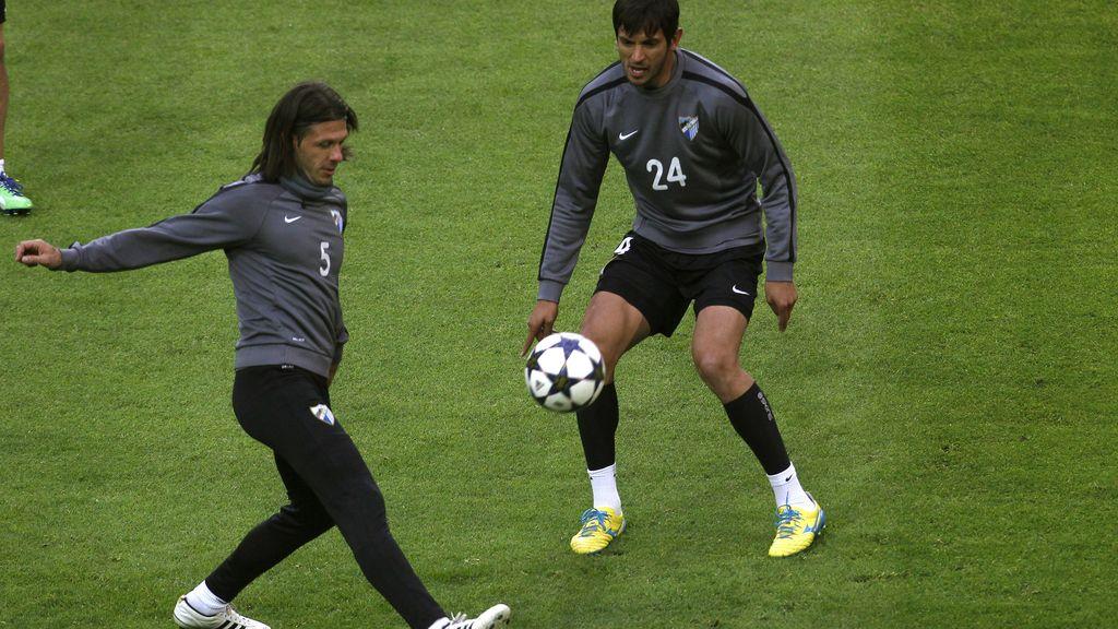 El delantero paraguayo Roque Santa Cruz en un entrenamiento previo al partido de Champions