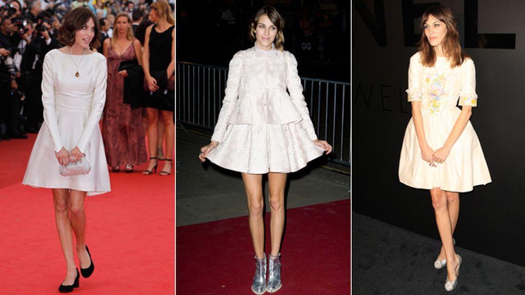 De gala: vestidos neutros y zapatos originales
