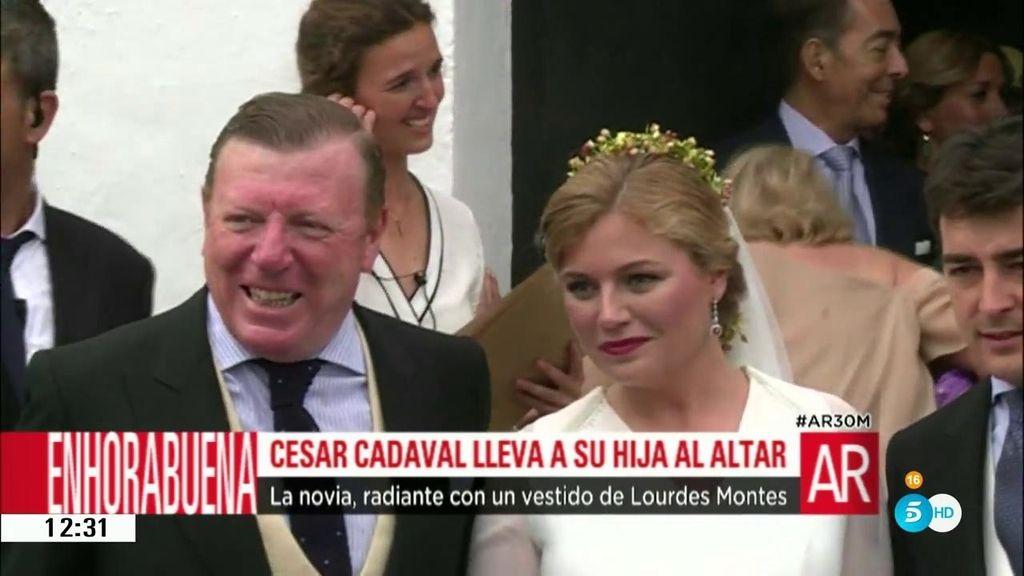 Marta, hija del 'moranco' César Cadavall, se casa con un vestido de Lourdes Montes