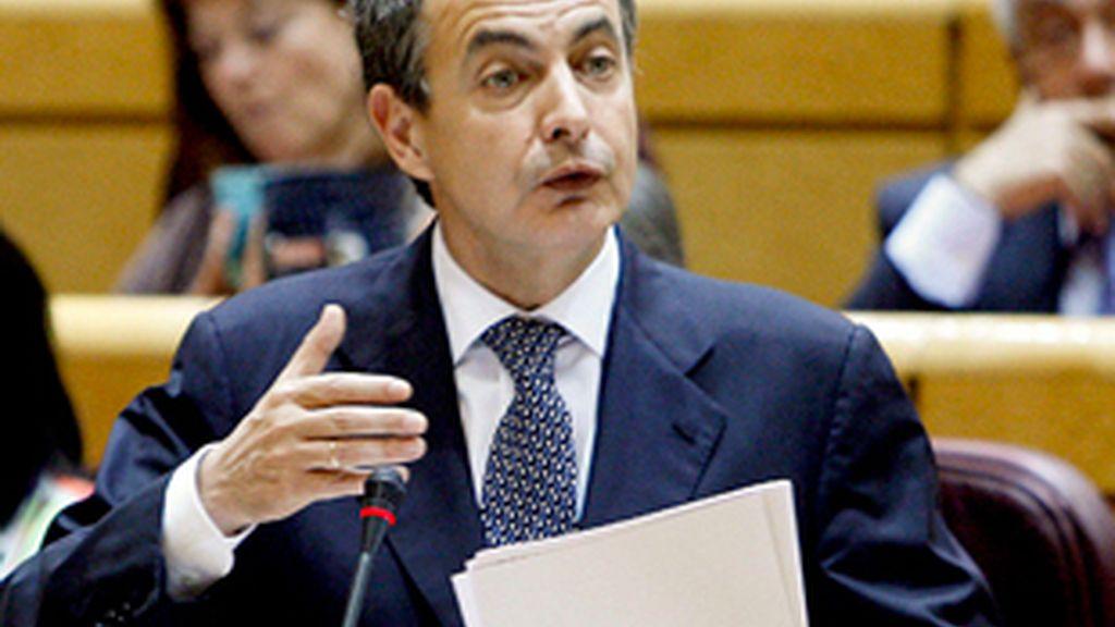 Zapatero ha insistido en la necesidad de reducir el gasto público,  aunque ha reconocido la dificultad. FOTO: EFE