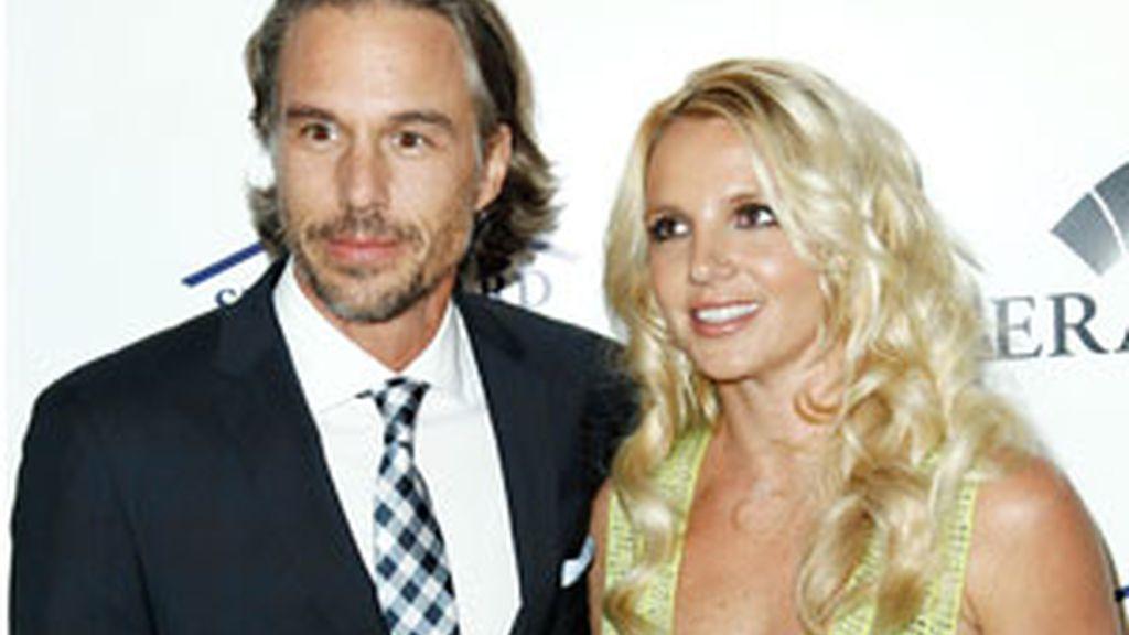 Britney Spears y Jason Trawick, en una fiesta. Foto: Gtres