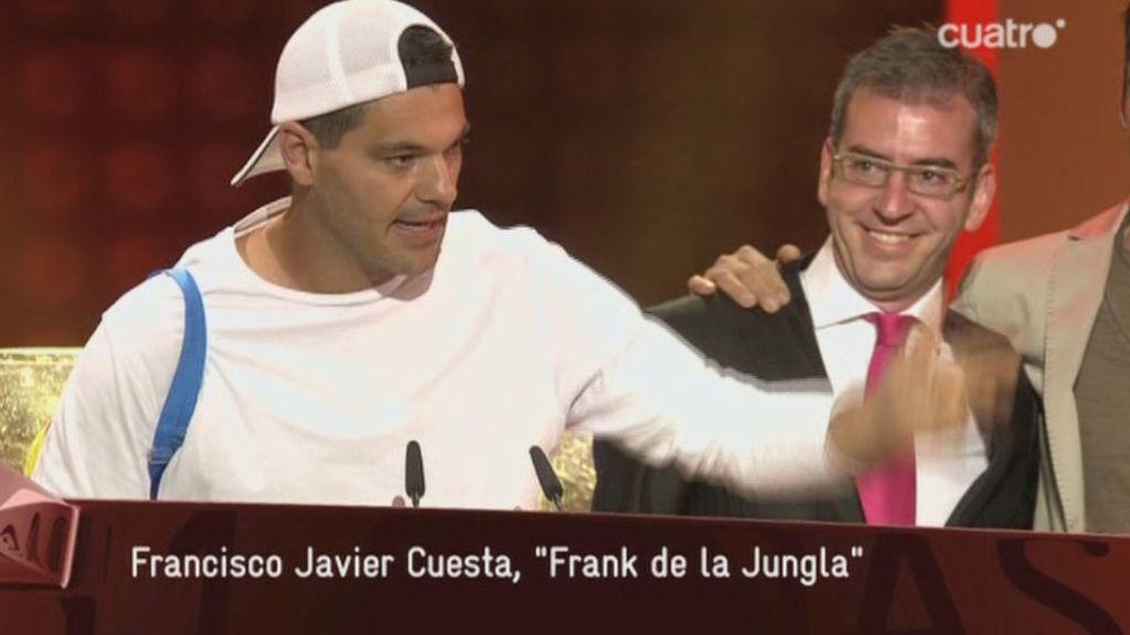 Frank Cuesta recogió el premio acompañado por su equipo