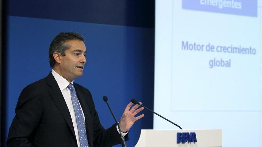 El consejero delegado del BBVA, Ángel Cano, durante la rueda de prensa que ofreció hoy para presentar a los analistas las cuentas del primer trimestre de 2011, en el que el grupo obtuvo un beneficio neto de 1.150 millones de euros. EFE