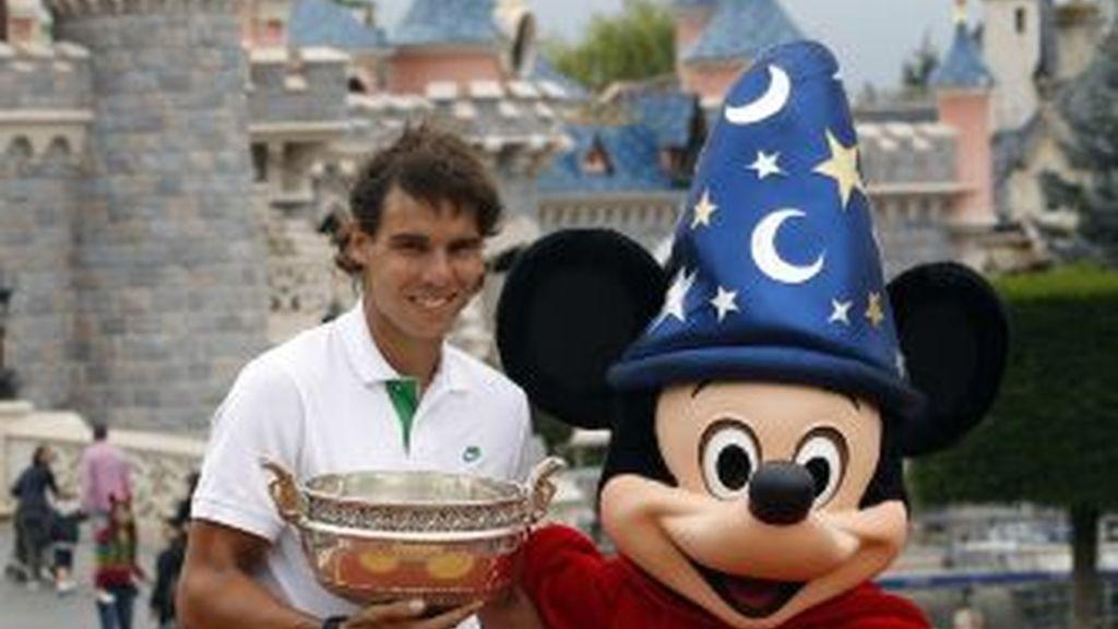 Nadal posando con su último Roland Garros. GTRES