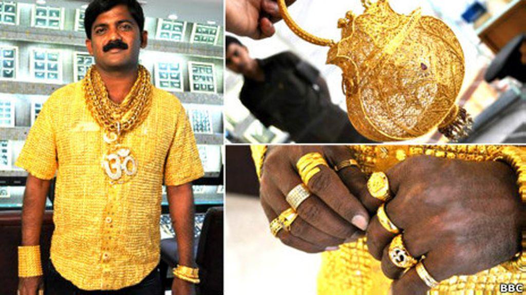 Datta Phuge con su camisa de oro