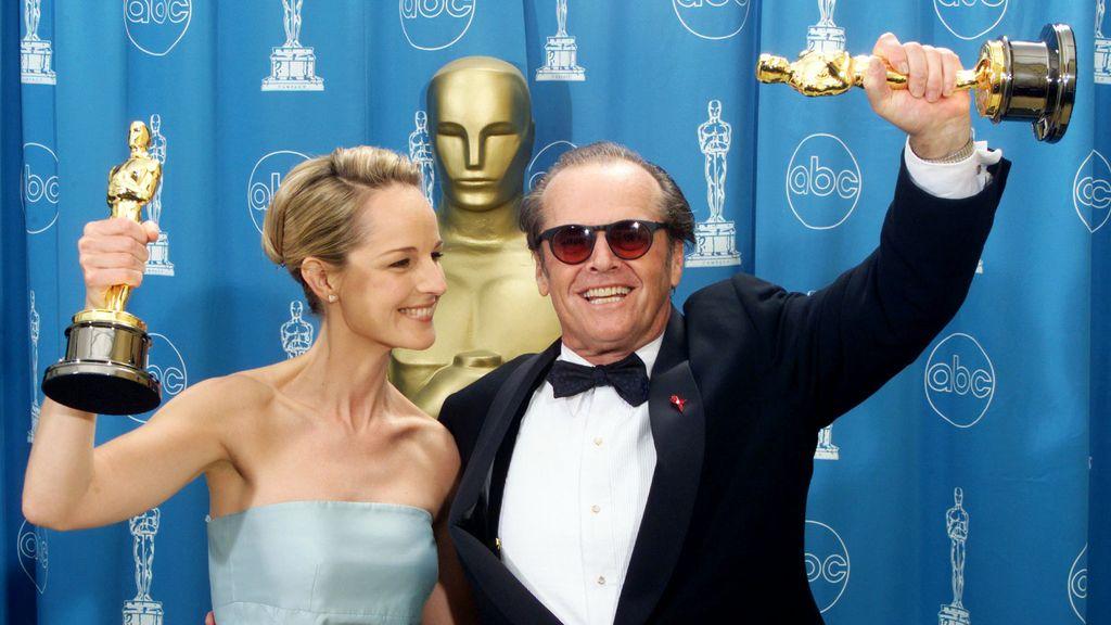 Helen Hunt y Jack Nicholson celebran sus premios por 'Mejor Imposible' en 1997