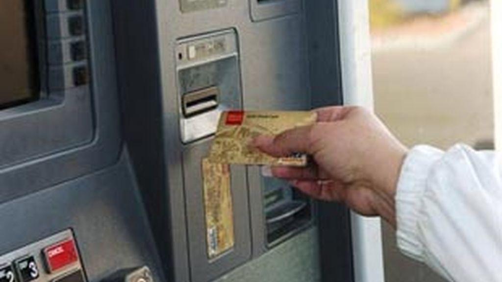 La OCU alerta de las subidas de las comisiones bancarias