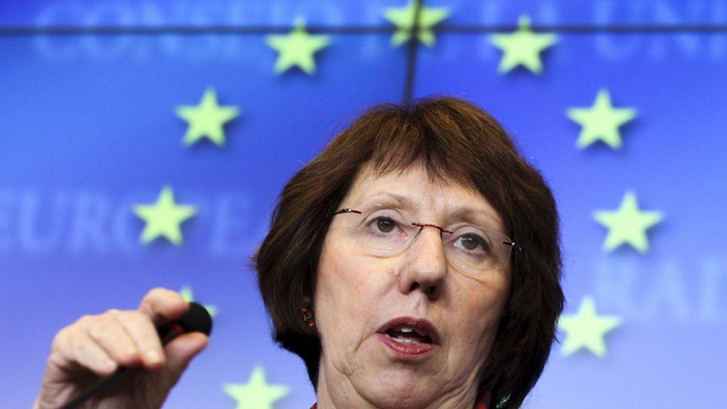 """La UE pide a Turquía """"contención"""" en su respuesta a Siria tras el derribo de un caza"""