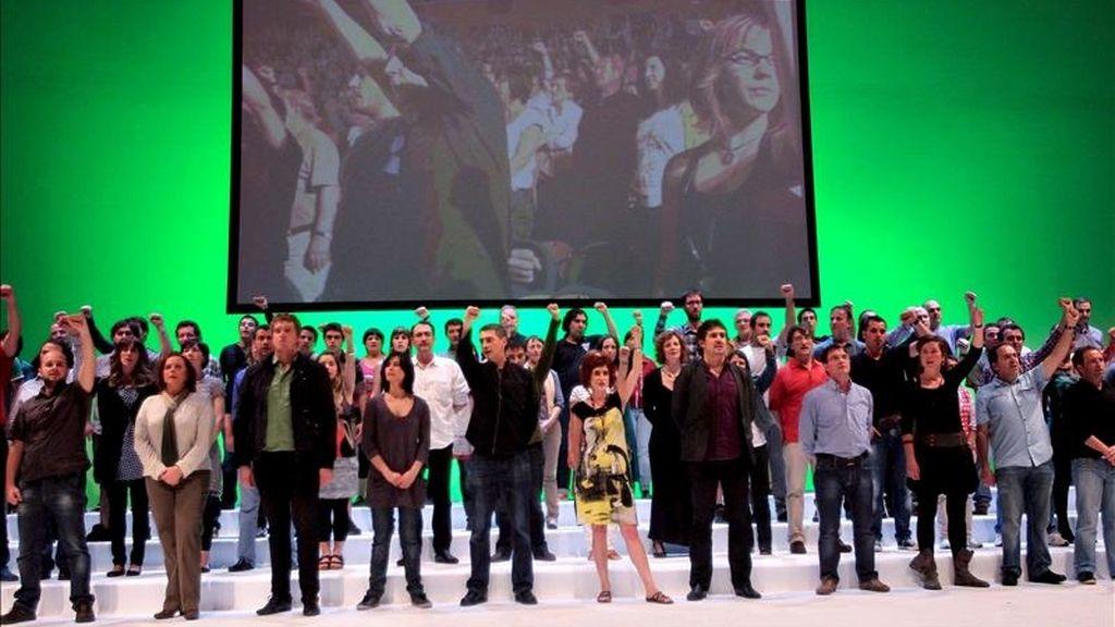 Un momento del acto celebrado por la coalición Bildu este sábado en el palacio Kursaal de San Sebastián. EFE
