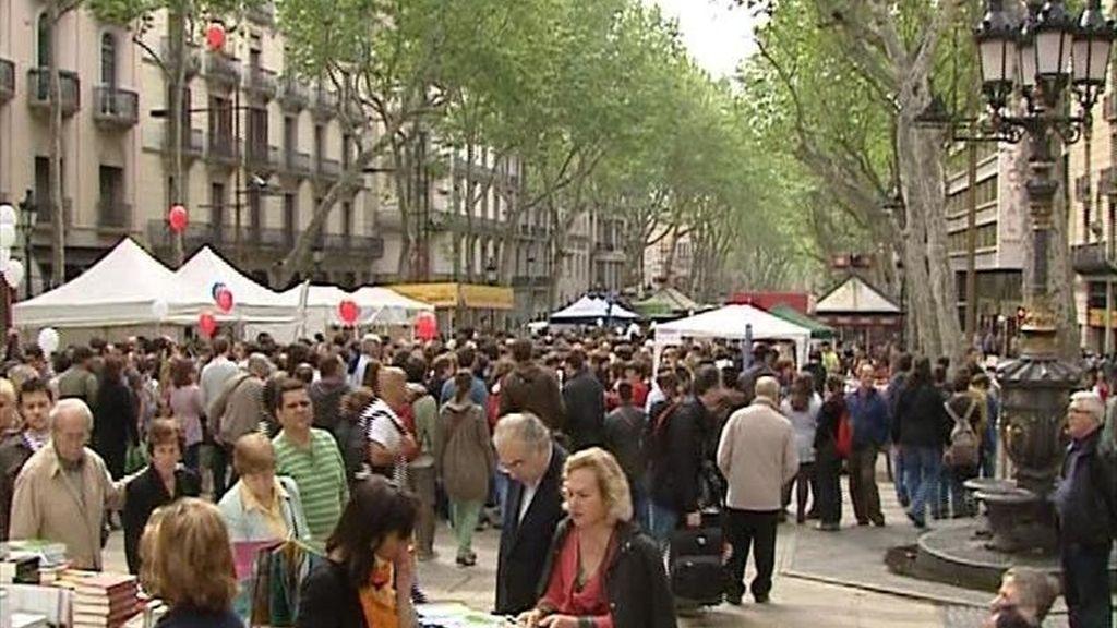 Un puesto de libros en el paseo de las Ramblas de Barcelona. EFE/Archivo