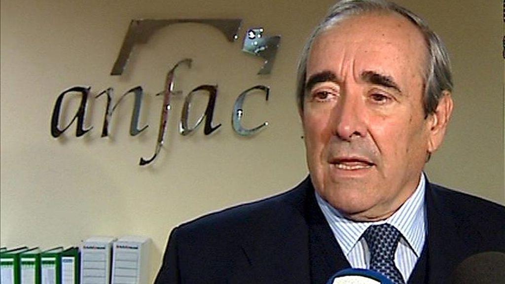 Luis Valero, director general de la Asociación Automovilística de fabricantes (Anfac), atiende a la prensa después de que Anfac y Ganvam informasen del dato de las matriculaciones de automóviles en España. EFE/Archivo