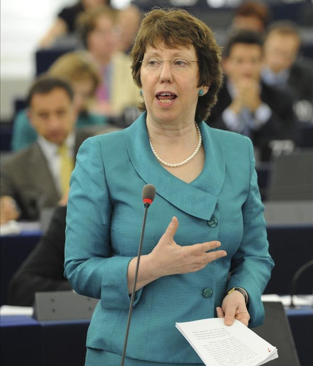 La alta representante europea para la política Exterior y de Seguridad de la UE, Catherine Ashton, participa en la sesión plenaria del Parlamento Europeo celebrada hoy, miércoles 11 de mayo de 2011 en Estrasburgo (Francia). EFE