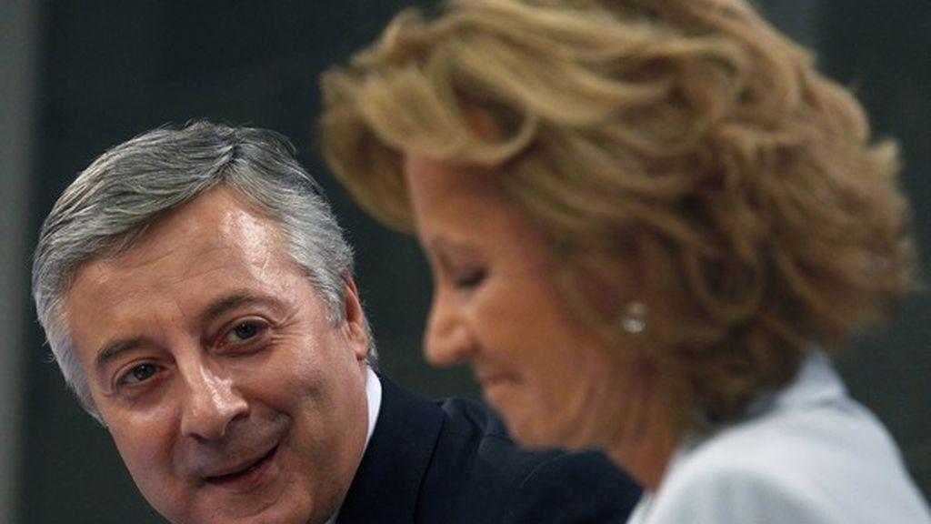 Pepe Blanco y Elena Salgado en una rueda de prensa.