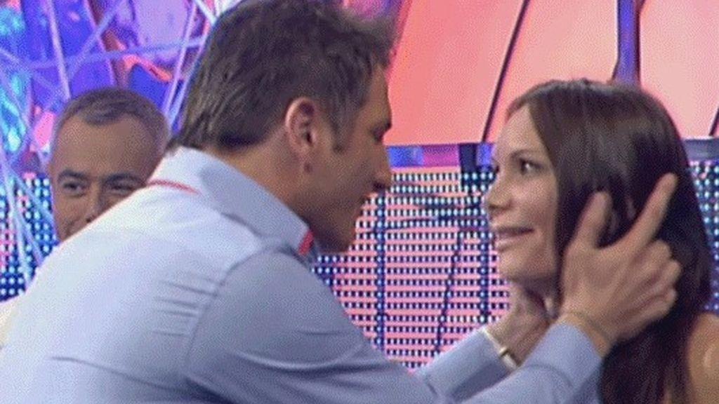 El beso de Iván a Yola