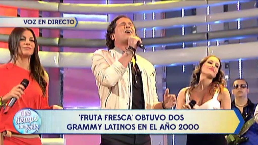Carlos Vives canta su éxito 'Fruta fresca' con los 'Supersingles' en ¡QTTF!