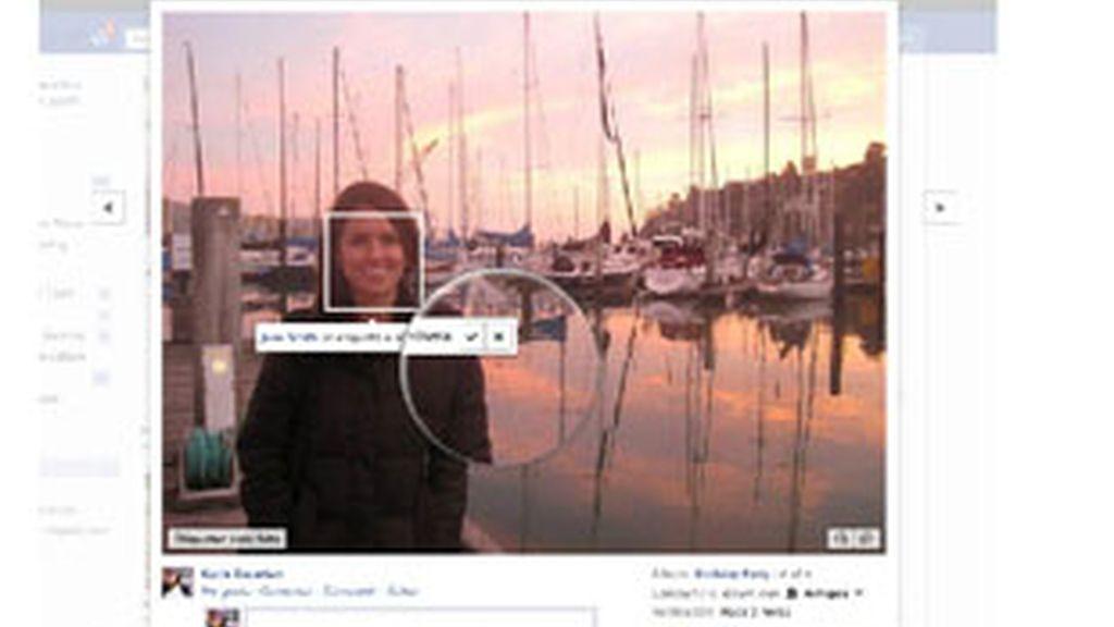 El usuario de Facebook podrá decidir si quiere ser etiquetado o no en una foto antes de su publicación. Foto: Facebook.