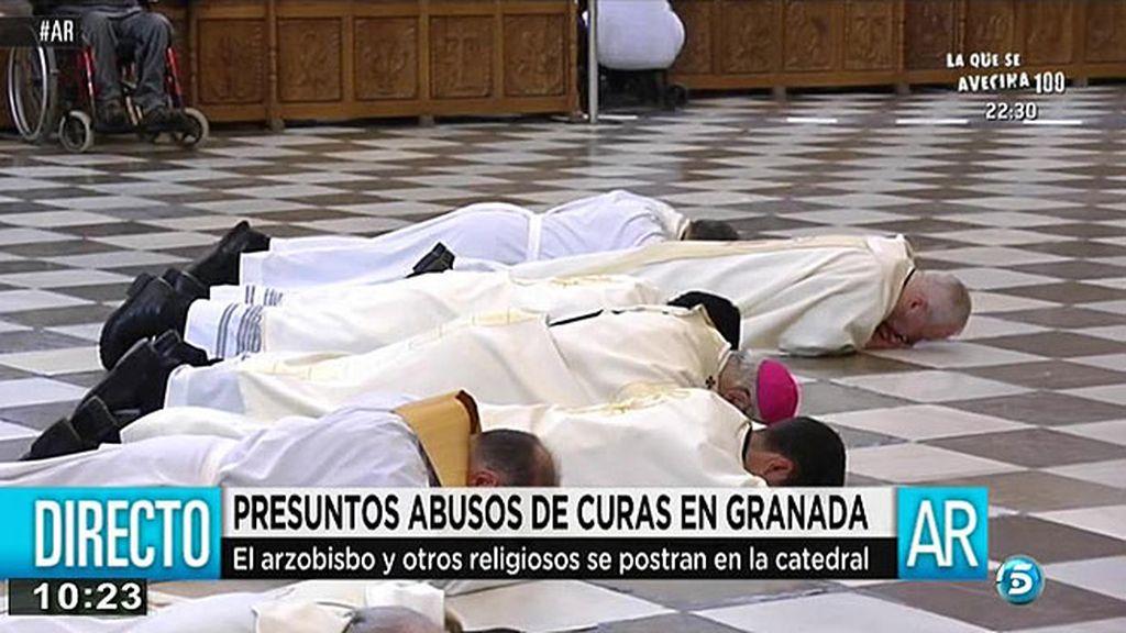 El arzobispo de Granada y otros religiosos piden perdón por los abusos sexuales de otros sacerdores
