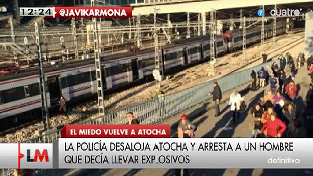 La policía desaloja Atocha y arresta a un hombre que decía llevar explosivos
