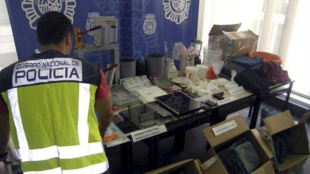 En la imagen, intervención de la Policía Nacional en un laboratorio de cocaína. EFE/Archivo
