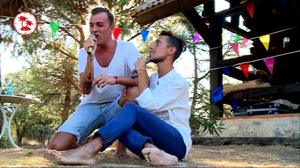 Gaby y Jesús, 'Bailar pegados'