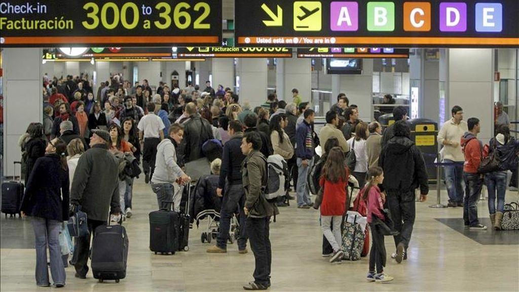 Imagen de la actividad normal registrada en el madrileño aeropuerto de Barajas. EFE/Archivo
