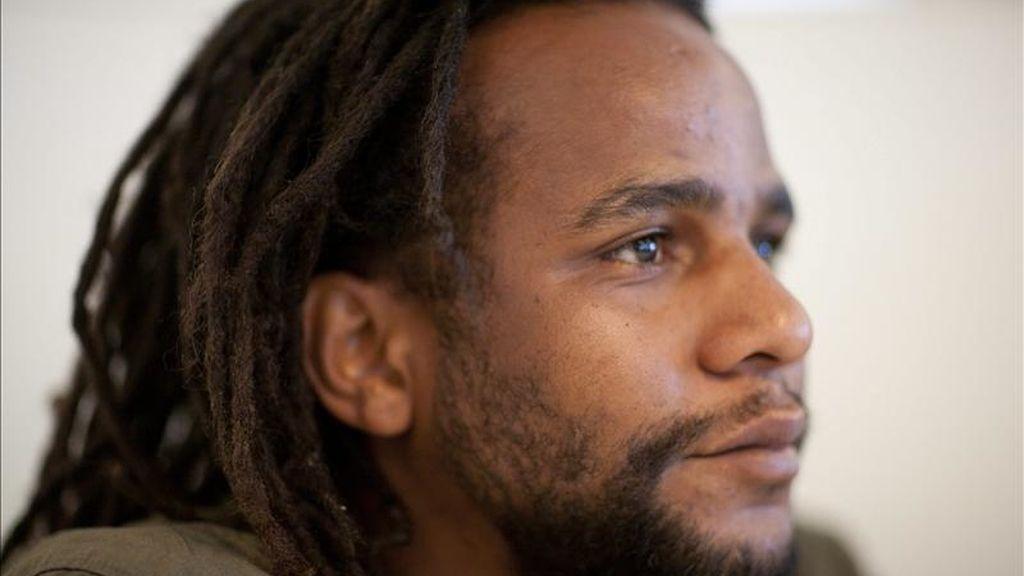El brasileño Sebastiao Carlos Dos Santos posa para una fotografía hoy, viernes 25 de febrero de 2011, durante una entrevista con Efe en Los Ángeles, California (EE.UU.). EFE/Archivo