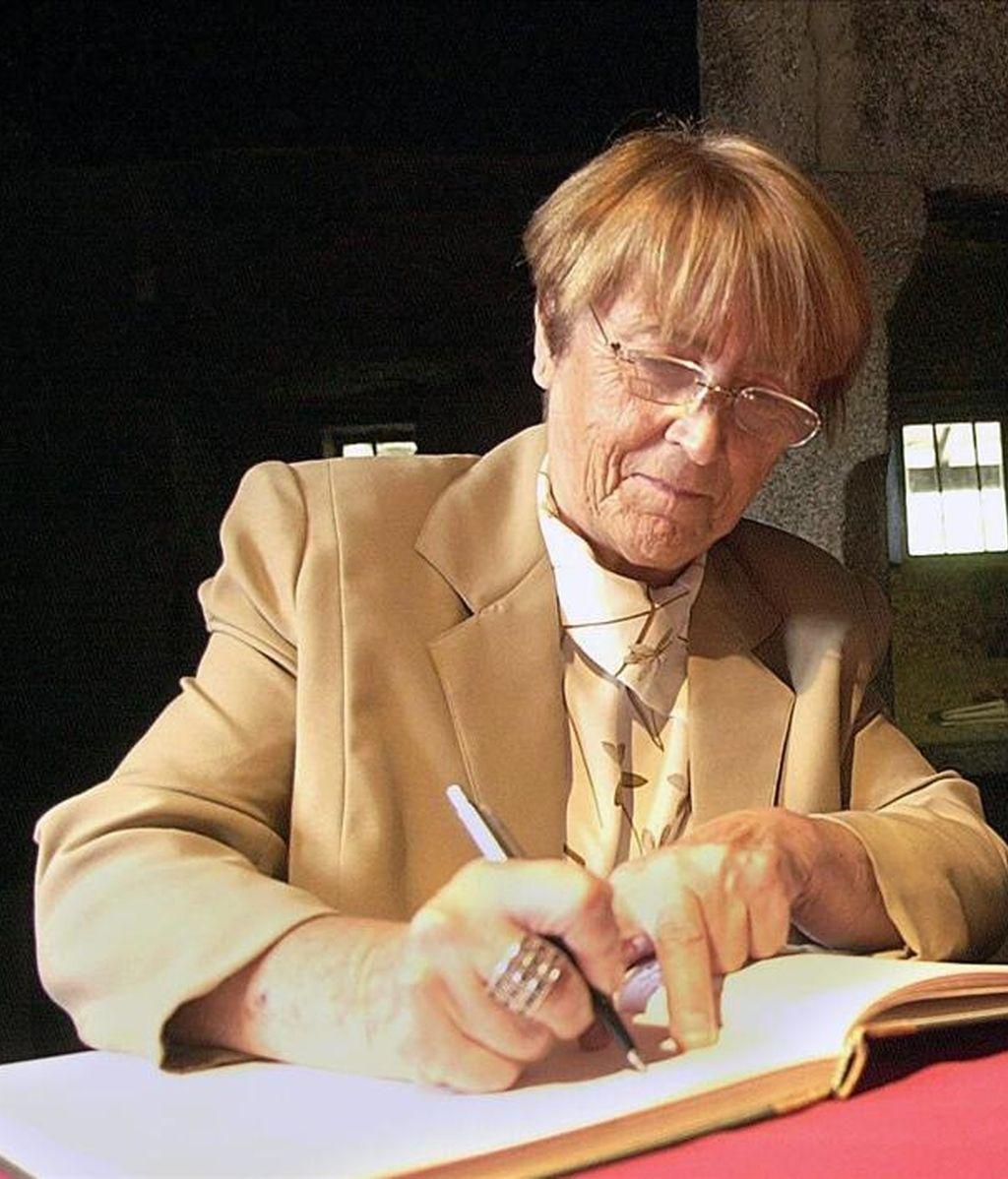 Fotografía de archivo fechada el 31 de agosto de 2002 de la escritora gallega Xohana Torres. EFE/Archivo