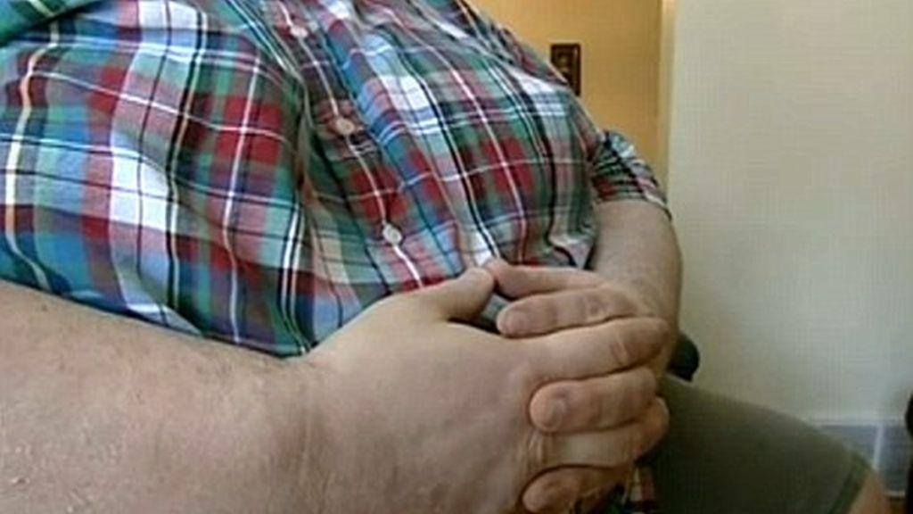 Denuncia haber perdido la custodia de sus hijos por su peso