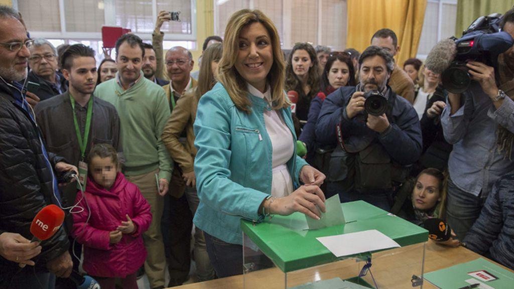 La presidenta andaluza, Susana Díaz, vota en Triana, Sevilla