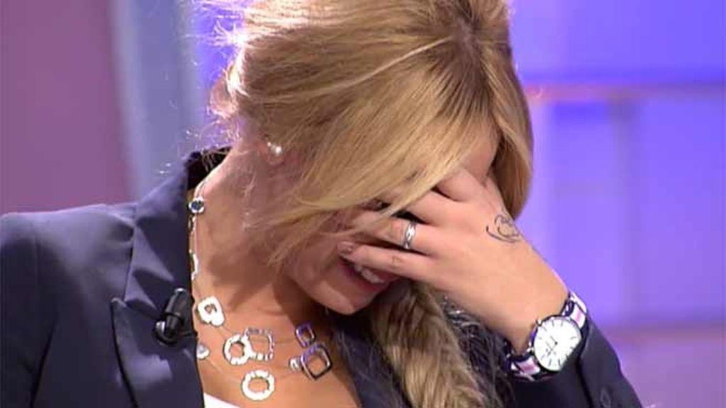 Alejandro rechaza un beso de Steisy