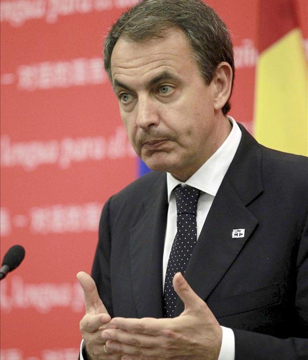 El presidente del Gobierno español, José Luis Rodríguez Zapatero, que se encuentra en Pekín dentro de su cuarto viaje a China, durante su intervención en un acto cultural en defensa del español celebrado en la sede del Instituto Cervantes. EFE