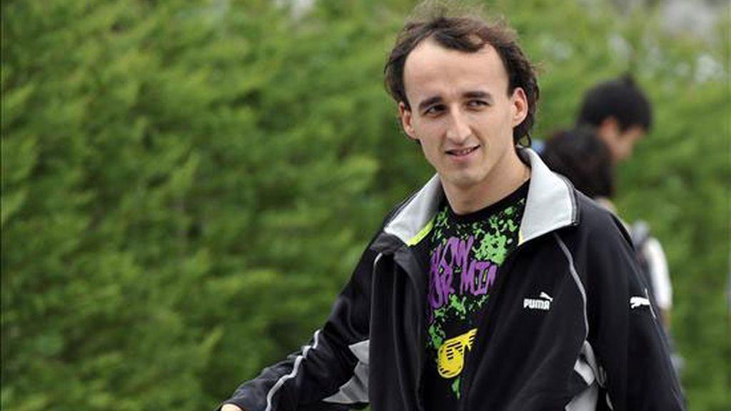 Robert Kubica, piloto del equipo de Fórmula 1 Lotus Renault, sigue avanzando en su recuperación. Foto: EFE