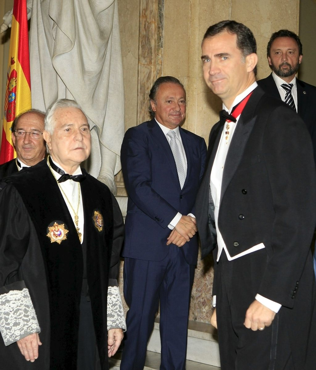 Carlos Dívar y el Príncipe de Asturias durante el bicentenario del Supremo