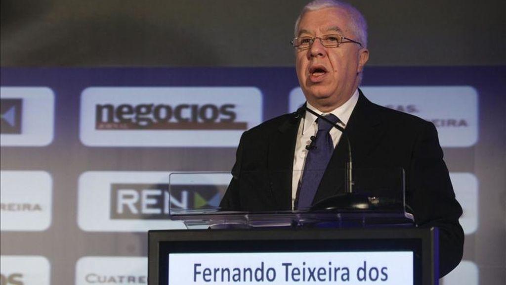 El ministro portugués de finanzas, Fernando Teixeira dos Santos en una conferencia sobre regulación y competitividad. EFE/Archivo