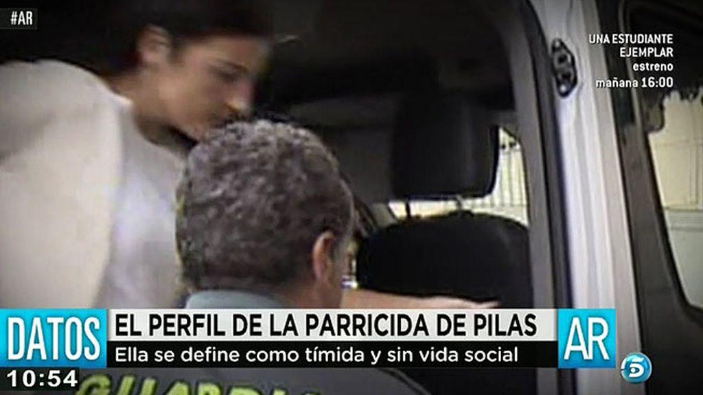 La parricida de Pilas se presenta como una víctima y acusa a su ex de maltrato