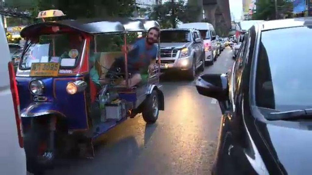 Dani Rovira perdido en pleno barrio chino de Tailandia
