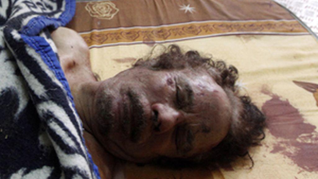 Las imágenes del cadáver de Gadafi ya se pueden ver en todos los medios. Foto: Reuters