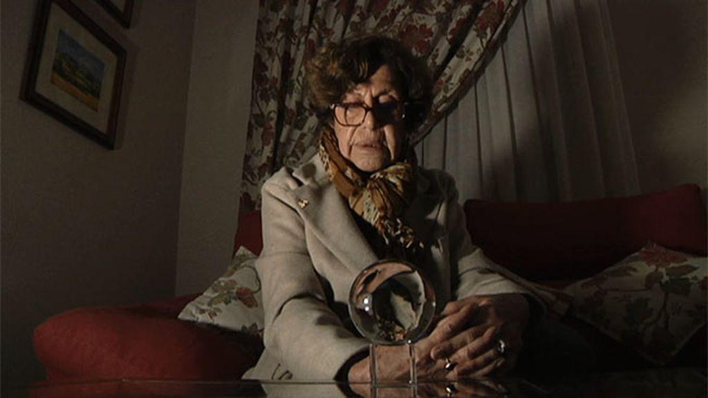 Paloma Navarrete conecta con la silueta de la mujer del bloque de vecinos
