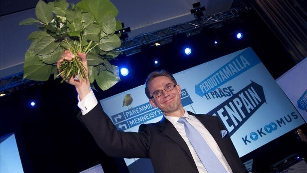 Jyrki Katainen, líder del partido de la Coalición Nacional Finlandesa durante la fiesta de elección de su partido en Helsinki, Finlandia el pasado domingo. EFE