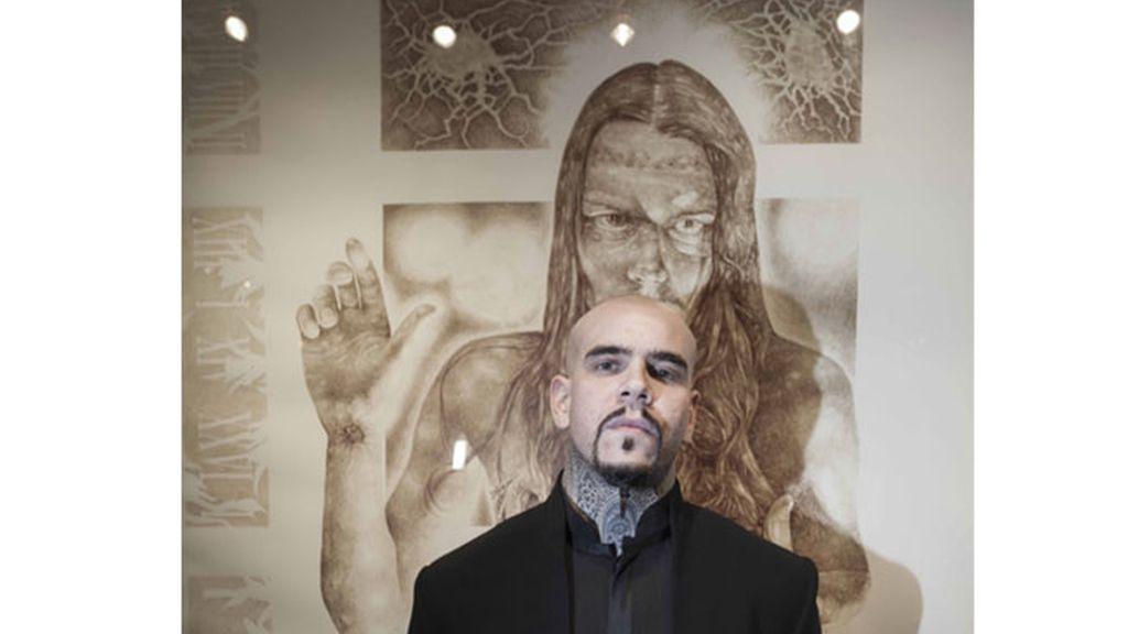 El artista que pinta con su sangre