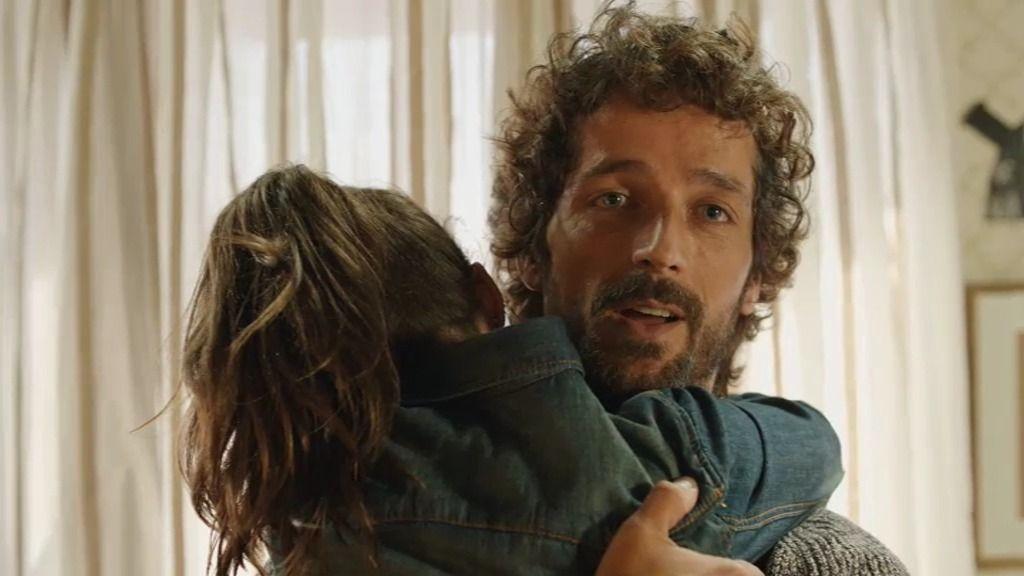 El exnovio de Laura y padre de Oli regresa