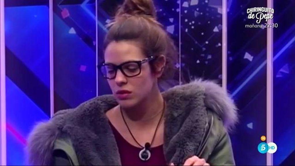 Laura se siente traicionada por Alejandro después de no ser salvada