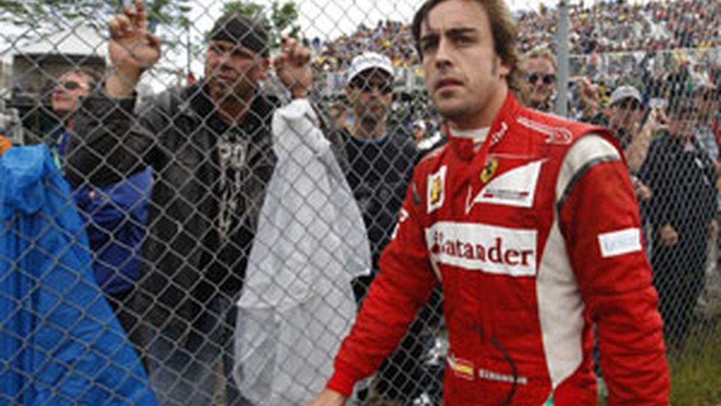 Fernando Alonso no pudo terminar la carrera en Canadá. Foto: Reuters