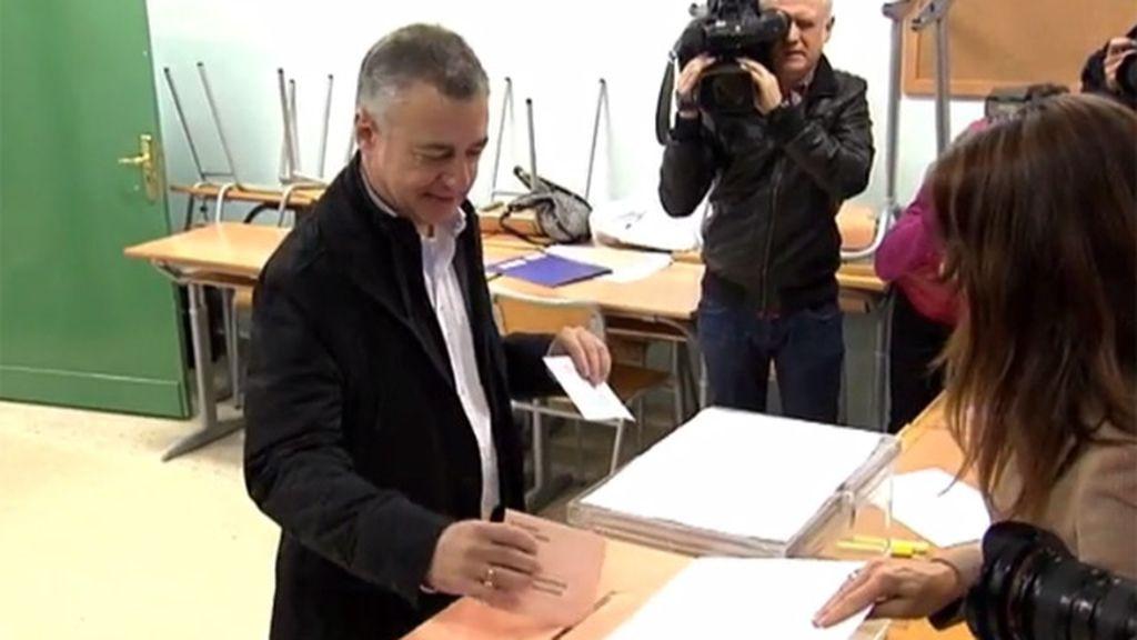 La presidenta de la mesa 'se hace un lío' con el nombre del lehendakari