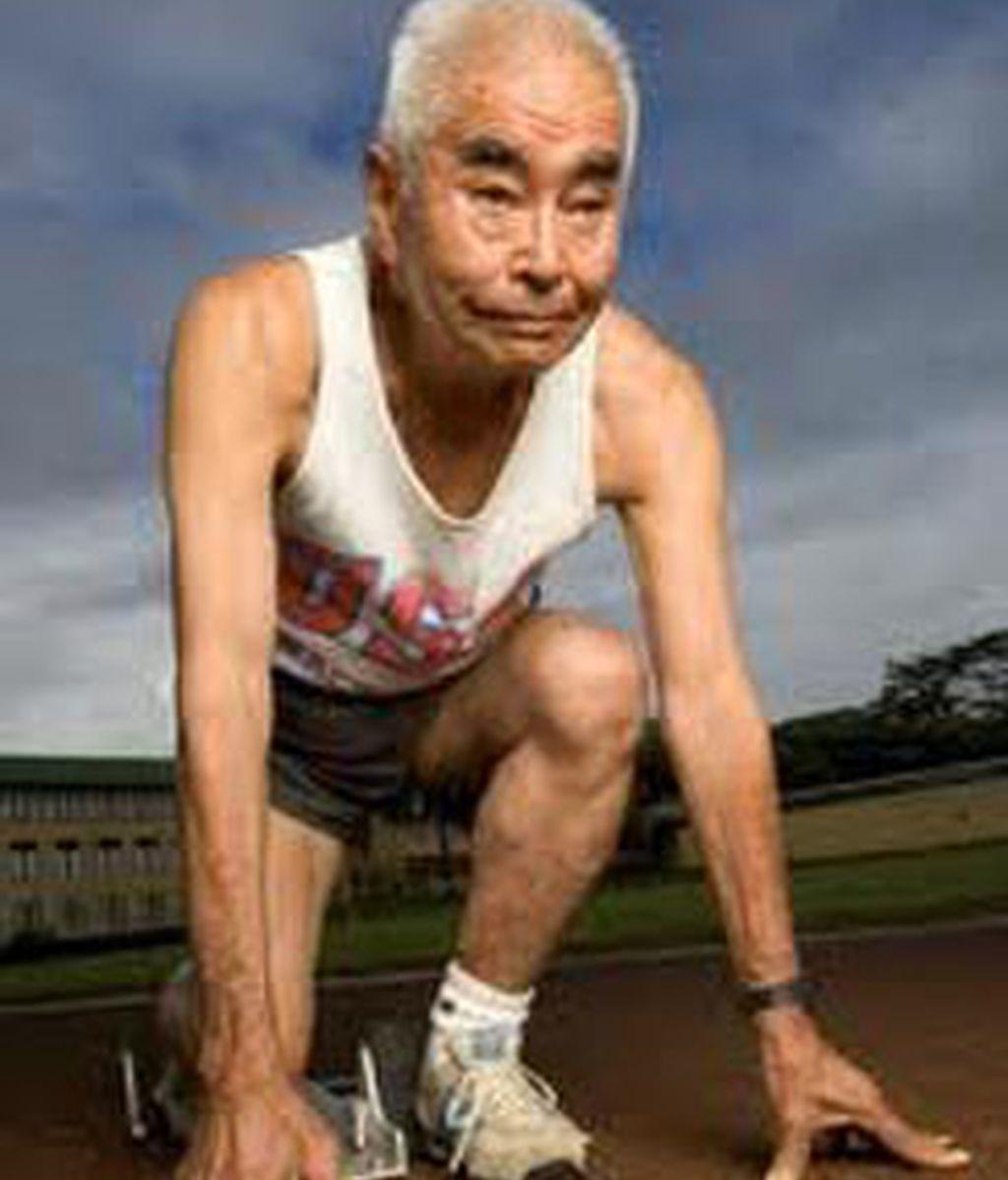 Ni hacer ejercicios es tan bueno como pensamos, ni la felicidad nos alarga la vida. Un nuevo estudio que duró 80 años revela sorpresas para ser longevos.