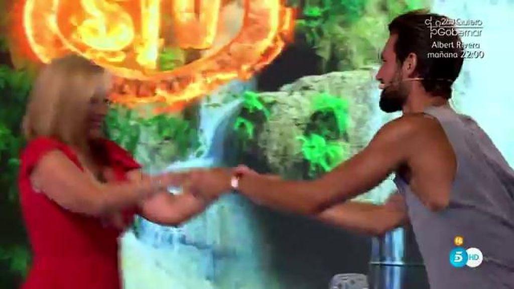 Belén Esteban lo da todo bailando con Mario D'Amico en plató