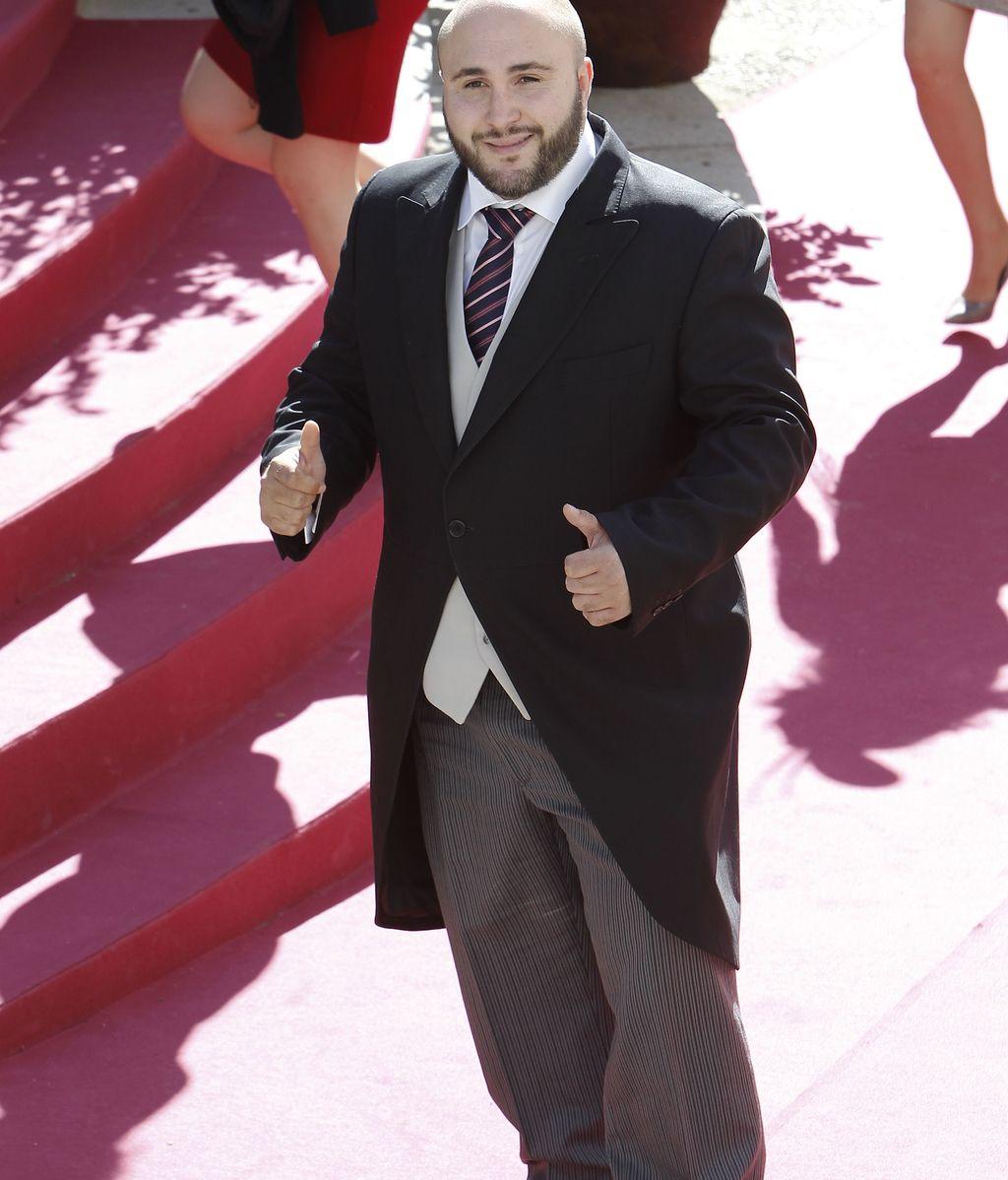 Kiko no le ha entregado a Cayetano dos capotes por su boda, según P. García Pelayo