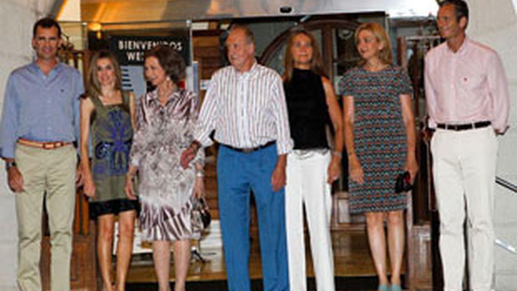 La familia real en el Club Náutico de Palma.