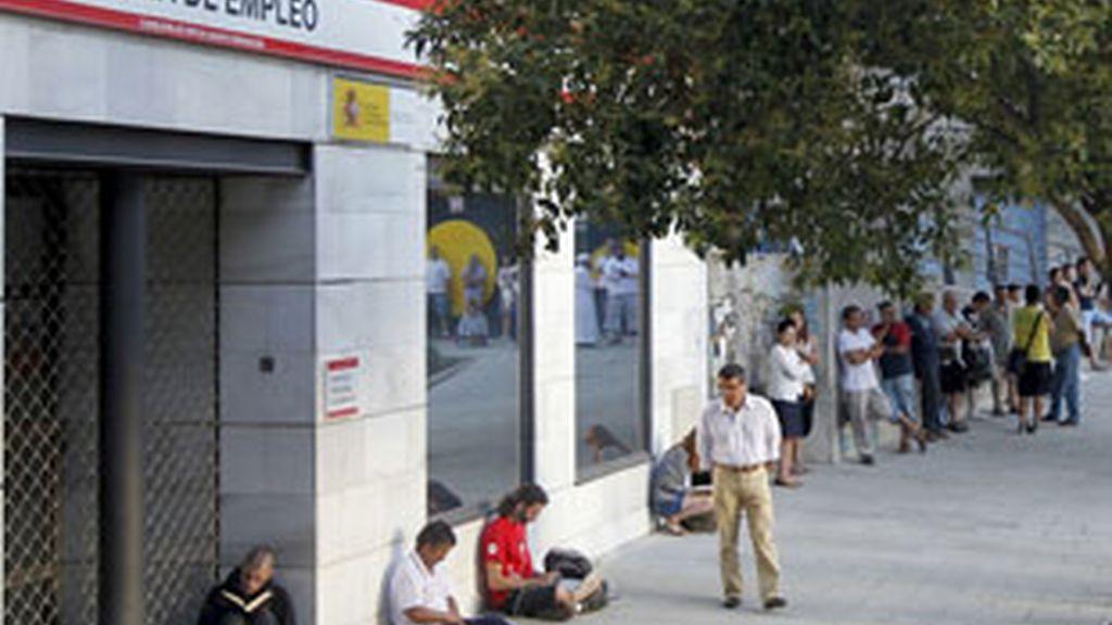 El paro registra su mayor subida en un mes de septiembre desde 1996. Vídeo: Informativos Telecinco